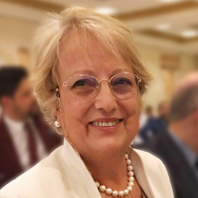 Felisa Fernández: «Me di cuenta de la importancia de la Terapia Visual al pasar 12 años recorriendo consultas en Madrid, Barcelona y París para tratar el estrabismo de mi hijo»
