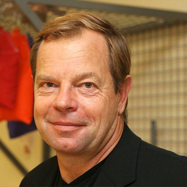 """Paul Dorochenko: """"Como fisioterapeuta, la Optometría me ha aportado unos complementos indispensables para la readaptación deportiva"""""""