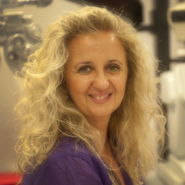 """Pilar Vergara: """"La 2º edición de mi libro 'Estrabismo y Ojo Vago' recoge nuevos e interesantes artículos científicos que avalan los tratamientos que trabajamos en Optometría Comportamental"""""""