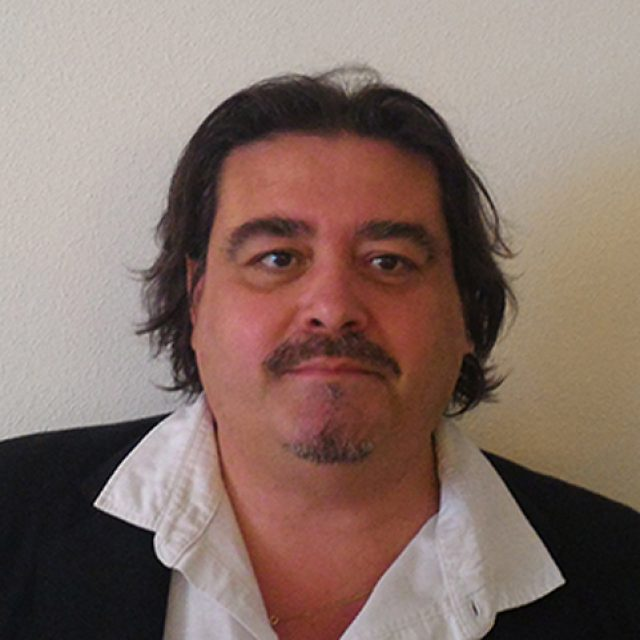 """Filemón Galarza: """"El objetivo del curso que imparto es que el optometrista piense también como empresario, es un MBA resumido e intensivo"""""""